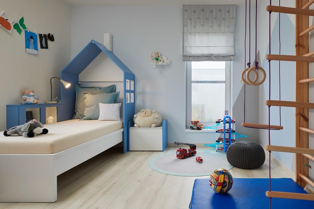 Pokoj chlapecka modra seda