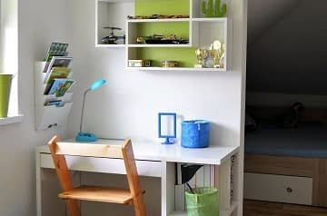 Dětský pokoj psací stůl