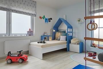 modrý pokojík se stříškou